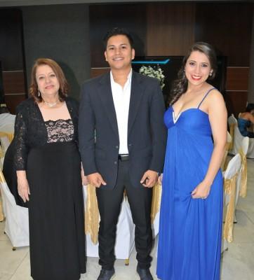 Lily de Rivera, Bayron Garay y Lily Rivera