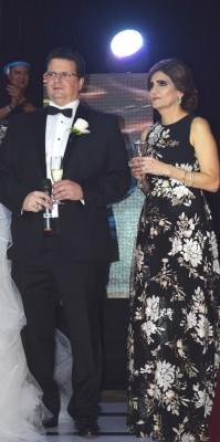 Los padres de la novia, Antonio y Lorena Hepburn.