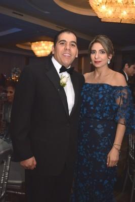 Los padrinos de bodas, Lilian y Mario Faraj.