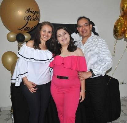 María Tábora, Laura Daniela Torres Arita y Rafael Arita