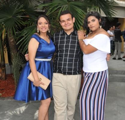 Mariely Cruz, Allan Castillo y María José Colindres