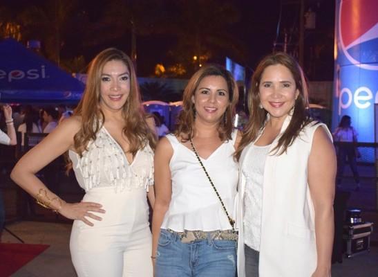 Marilda Mata, Silvia Cordova y Carolina Kafati