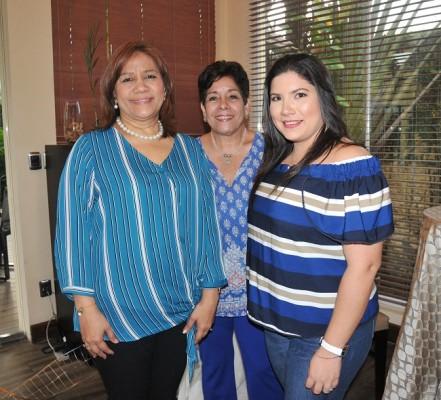Marta Merino, Norma Irías y Karen Terreros