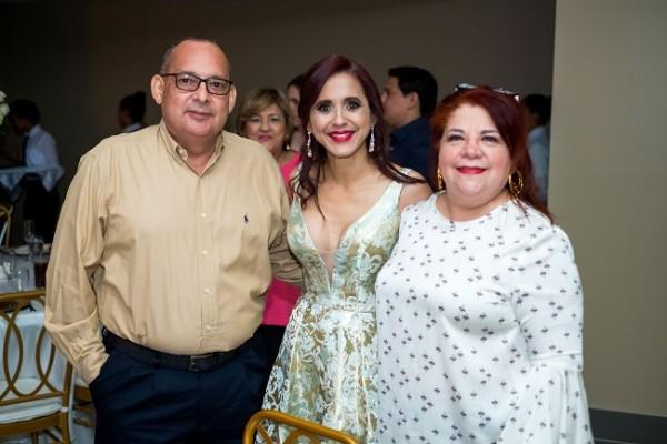 Marvin Menjívar, Waleska López de Aguilar y Ligia Maria Arriaga