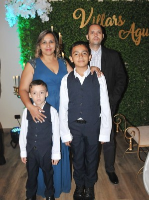 Norma Almendárez, Carlos Acosta, Dennis Acosta y Carlos Acosta Jr.