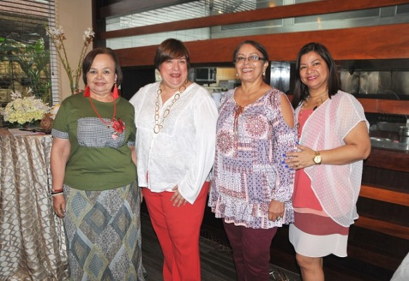 Norma Méndez, Jessica Canelo, Suyapa Ramírez y Sonia Carabantes