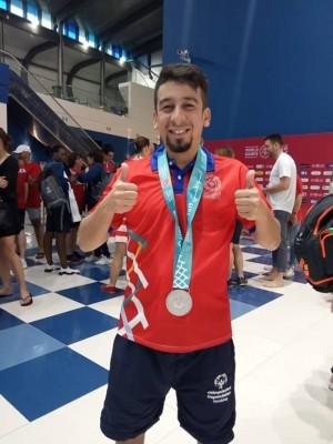 Orgullo catracho, David Alfonso Orellana, quien obtuvo la primera medalla de plata para Honduras en las Olimpiadas Especiales de Abu Dabi 2019 ¡En hora buena! para este deportista especial que pone el nombre de Honduras en alto.