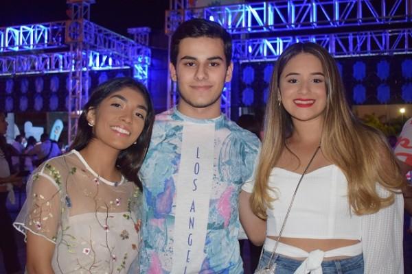 Paola Kattán, Víctor Andonie y Krista Rojas