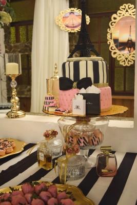 Sali Boquín de la firma Lolita's Oven se encargó de la exquisita estación de dulces y el pastel de celebración