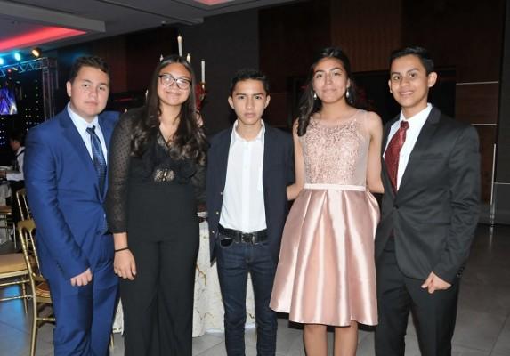 Salvador Reynaud, Daniela Zelaya, Ronald Luque, Lizeth Reyes y Eduardo Macías