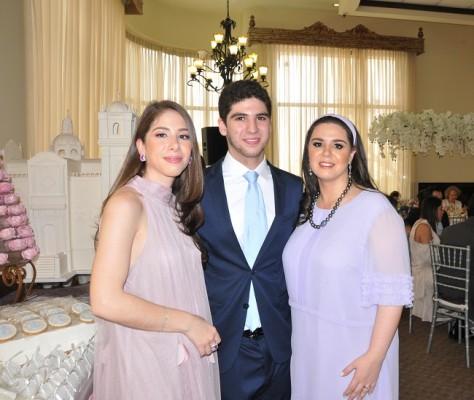 Los hermanos Kafati-Quiroz: Tiara, Jacobo y Giordanna