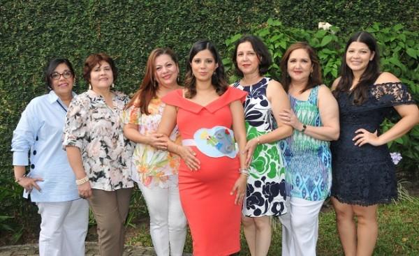 Waldina Vallejo, Riva de Romero, Sulim de Soto, Graciamaría Vásquez de Martínez, Gracia de Vásquez, Ileana de Soto y Daniela