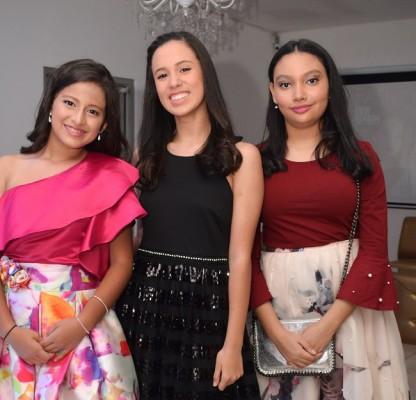 Ana Barahona, Lourdes Herdocia y Sara Sarmiento