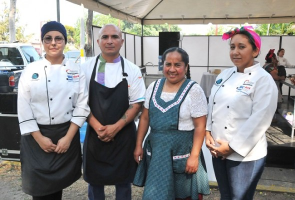 Angie Fernández, Carlos Pereyra, Rufina Mendoza y Mireya Padilla
