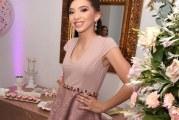 Ramillete de ilusiones en los 15 de Camila Rocío