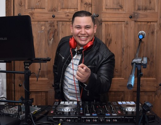 Daybeat DJ puso a bailar a los invitados en la celebración de Camila Rocío