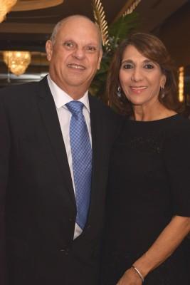 Diana y Roger Larach.