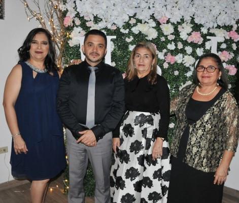 Dinora Pineda, Juan Carlos Leiva, Gertrudis y María Pineda