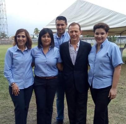 """Emilio """"El Buitre Butragueño"""", leyenda del Real Madrid y de la selección española, llegó a Honduras para vistar la escuela Formando Campeones."""