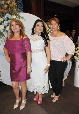 Esther Mejía, Melissa de López y Guadalupe Mejía