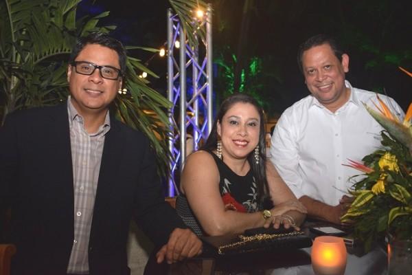 José Díaz, Cristy Villafranca y Menotti Maradiaga