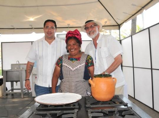 José Melo, Abigail Mendoza y Marco Rietti