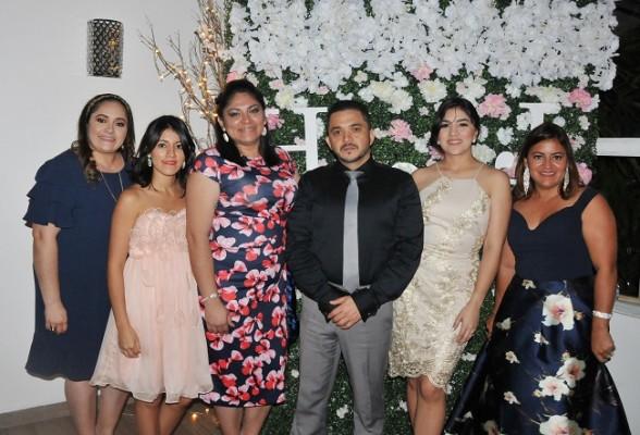 Karla Leiva, Crisly Bohorquez, Mary Pineda, Juan Carlos Leiva, Claudia y Julissa Bohorquez