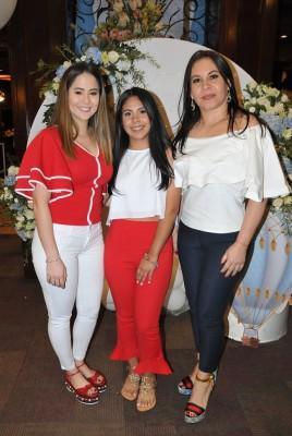 Karol Chahín, Melanie Turcios y Lucila Méndez