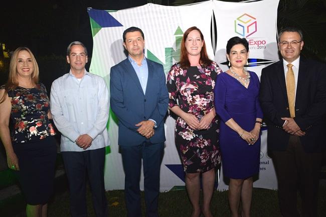 Coctel de bienvenida para los integrantes de HonduExpo 2019