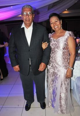 Los padres del novio, Ronaldo Aguilar y Miriam Henríquez