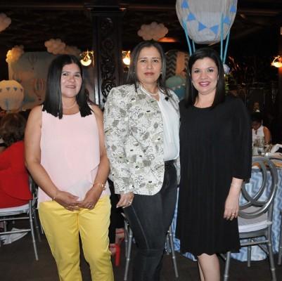 Lourdes Alemán, Vivian Umanzor y Karen de Pavón