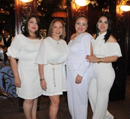 Marlene Cartagena, Elisa Clavijo, Marcela Ávila y Jennifer Lara