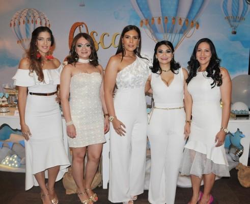 Raquel Mendoza, Gladys Aragón, Jenny Rivera, Dunia Aragón y Ruth Lemus
