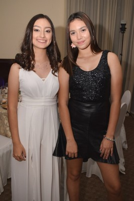 Sophia Rivera y Marcela Moreno.