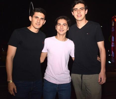 Vinicius Bueso, Roberto Flores Gómez y Sergio Fernández.