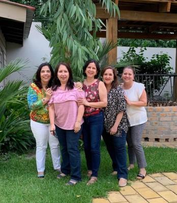 Waldina Rogel Rapalo, Rosa Zeron de Villegas, Gracia Valladares, IleanaMaria Soto y Sulim Trejo.