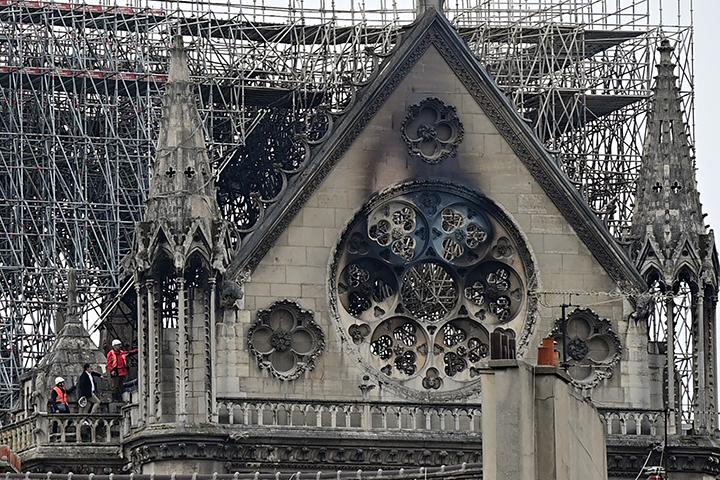 Así amaneció la Catedral de Notre Dame tras el voraz incendio (+fotos)