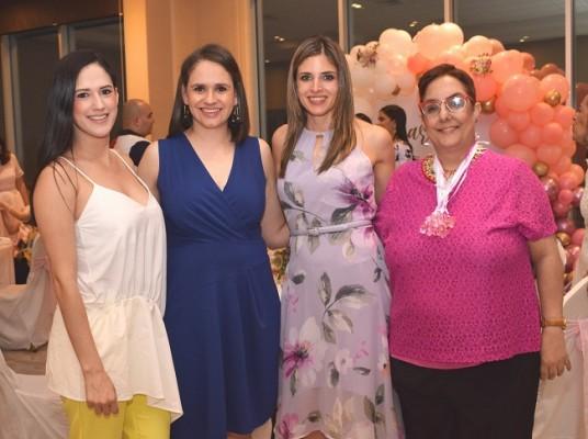 Alejandra Cárcamo, María Fernanda Ortega, Mónica Araujo y Nuria Mahomar.