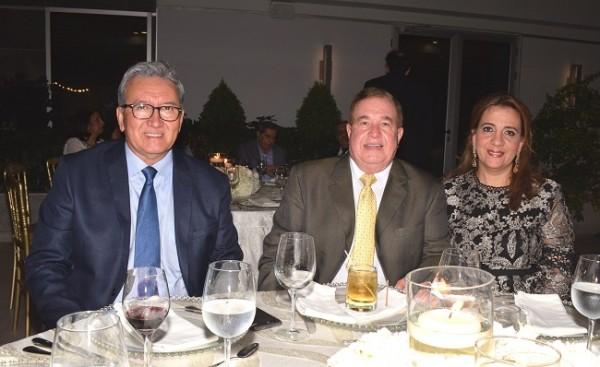 Arnaldo Martínez, Afif y Jacqueline Dieck