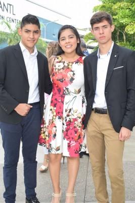 Carlos Peña, Cesia Hernández y Óscar Sánchez.