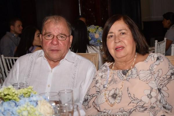 Claudio Ferrera y Lucy de Ferrera
