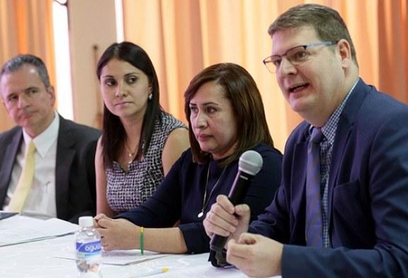 Con apoyo de BID y BM se instala comisión que revisará metodología para medir la pobreza