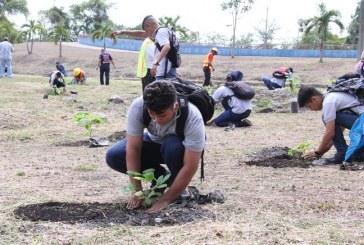 Conmemoran Día del árbol reforestando el Complejo Olímpico de SPS