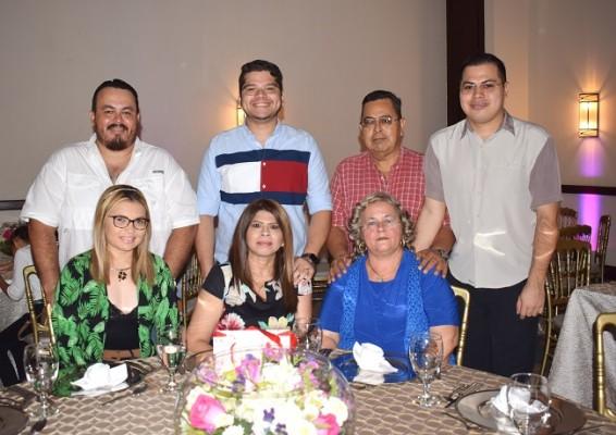 Familia Leiva-Flores-Rodríguez.
