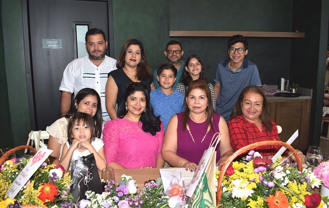 Sociedad sampedrana celebró a las madres en su día
