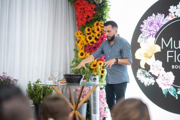 Gustavo Sandoval experto florista internacional