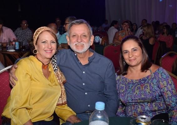 Hortensia Fasquelle, Pedro Milla y Fabianie Florentino.
