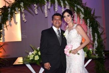 La boda de Carolina y Holvan ¡naturalmente fascinante!