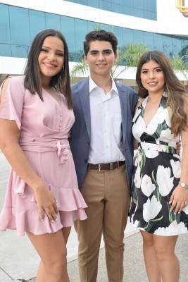 Isabella Hernández, Jonathan Argueta y Marian Larios.