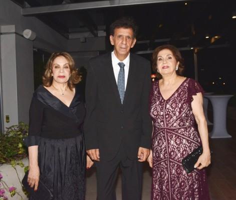 Jeannette Segebre, Issa Zgheibra y Ana Hawit.
